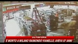 Immagini di un rapinatore goffo negli USA