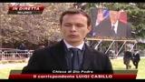 Grande folla per i funerali di Raimondo Vianello