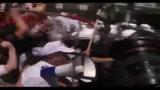 04/05/2010 - Crisi Grecia: scontri con la polizia e occupato il Partenone nel primo giorno di sciopero