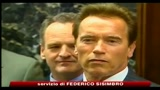 USA, Schwarzenegger: s al fumo sulle spiagge californiane