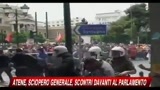 4- Atene: scontri polizia-manifestanti