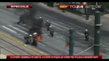 5- Atene: scontri polizia-manifestanti