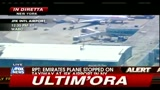 Aereo Emirates fermato su pista, sospetto a bordo