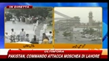 Pakistan, commando attacca moschea di Lahore - Le prime immagini