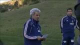 20/06/2010 - Francia, Domenech legge comunicato alla squadra