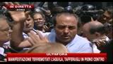 07/07/2010 - Corteo aquilani, Di Pietro media