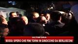 Bossi: spero che Fini torni in ginocchio da Berlusconi