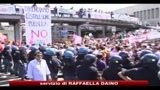 12/09/2010 - Messina, precari scuola occupano binari per protestare contro i tagli