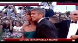 Clooney incontra i genitori della Canalis e il gossip si scatena