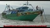 Immigrati, barcone clandestini sbarca sulle coste di Latina