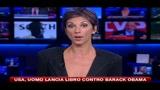 11/10/2010 - USA, uomo lancia libro contro Barack Obama