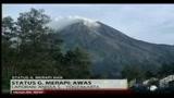 25/10/2010 - Indonesia, evacuazioni a Java per eruzione vulcano imminente