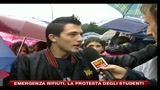 26/10/2010 - Emergenza rifiuti, la protesta degli studenti