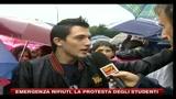 26/10/2010 - Emergenza rifiuti, la protesta degli studenti