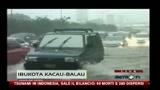 26/10/2010 - Indonesia: sale il bilancio delle vittime dello tsunami e il vulcano Merapi è a rischio eruzione