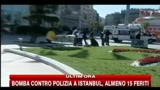 Bomba contro polizia a Istanbul: le prime immagini