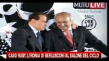 02/11/2010 - Berlusconi: Meglio appassionati di belle ragazze che gay
