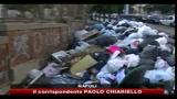 Napoli, continua la raccolta straordinaria dei rifuti