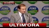 17 - Fini: Berlusconi salga al colle e si dimetta