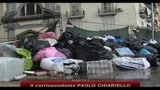 08/11/2010 - Napoli, strade allagate con i rifiuti che galleggiano