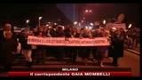 Milano, fiaccolata per ricordare il tassista aggredito e ucciso