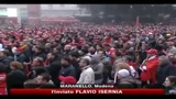 Maranello, la delusione dei tifosi davanti al maxischermo