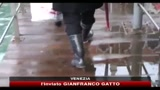 21/11/2010 - Maltempo, pioggia e freddo al Nord. A Venezia torna l'acqua alta
