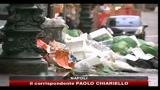 Caos rifiuti a Napoli, allarme per i rischi igienico-sanitari