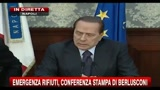 26/11/2010 - Emergenza rifiuti, conferenza stampa di Berlusconi