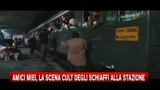 Amici miei, la scena cult degli schiaffi alla stazione