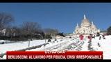 Neve in Francia, si scia sulla scalinata di Montmartre
