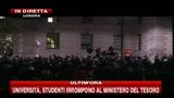 Londra, studenti irrompono al ministero del Tesoro
