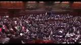 Fiducia, la giornata in parlamento tra rissa e ripensamenti finali