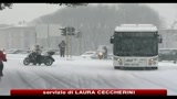 Neve su mezza Italia, forti disagi in Toscana