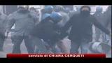 Scontri Roma, 15enne grave per un colpo in pieno volto
