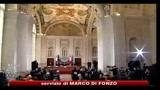Berlusconi apre al terzo polo: intesa entro gennaio o voto