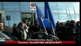 Protesta pastori sardi, scontri con la polizia a Civitavecchia