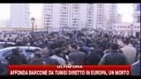 Algeri, folla in piazza per chiedere le dimissioni di Bouteflika