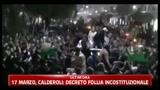 Libia, folle festanti al passaggio di Gheddafi