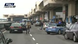 Malpensa: auto sfonda ingresso
