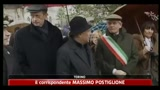 28/02/2011 - Torino, prima uscita da candidato sindaco per Fassino