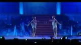 Kylie Minogue, una piccola dea per uno show colossale