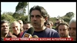 15/03/2011 - FIAT, gli operai di Termini Imerese bloccano l'autostrada A19
