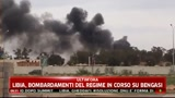 Libia, bombardamenti del regime in corso su Bengasi