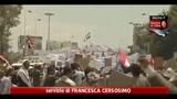 Yemen, in piazza a Sanaa sostenitori e oppositori