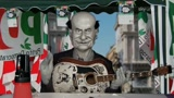 Gli Sgommati, Bersani: Metti anche tu una firma contro Berlusconi (Ep. 02)