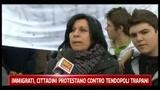 Immigrati, cittadini protestano contro tendopoli Trapani