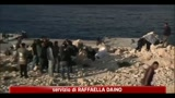 02/04/2011 - Centinaia di immigrati in fuga dai centri di Manduria e Mineo