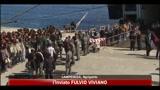 04/04/2011 - Immigrati, proseguono i trasferimenti dall'isola