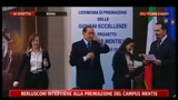 08/04/2011 - Premiazione Campus Menti: Berlusconi racconta una barzelletta